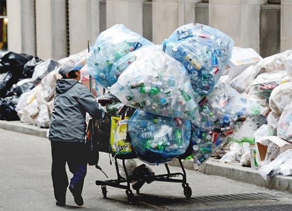 Mua phế liệu để phục vụ công nghiệp tái chế