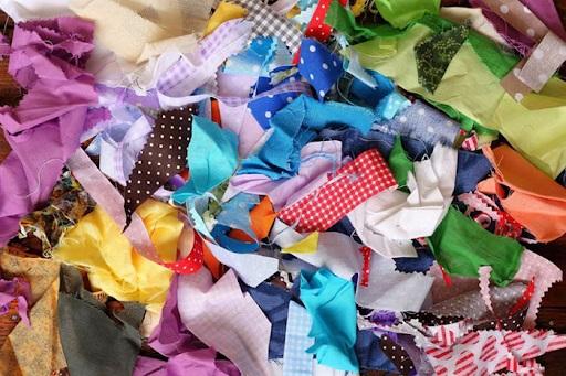 Phế liệu vải vụn có thể tái chế thành đồ hữu ích
